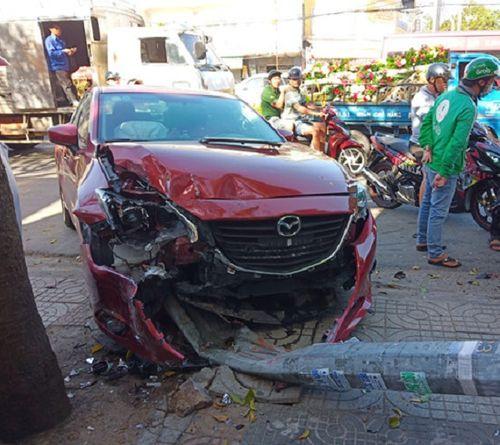 Ô tô mất lái gây tai nạn liên hoàn ở Vũng Tàu, tông gãy cột đèn giao thông - Ảnh 2