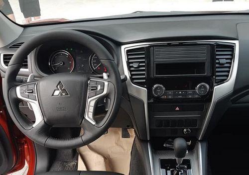 Bất ngờ với giá Mitsubishi Triton 2019 của đại lý cận Tết Nguyên đán 2019 - Ảnh 2