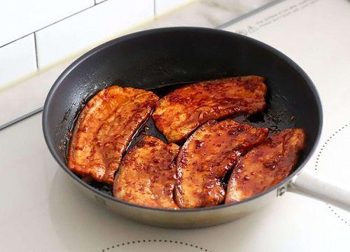 Món ngon mỗi ngày: Học người Hàn làm thịt áp chảo đổi vị cho ngày lạnh - Ảnh 5