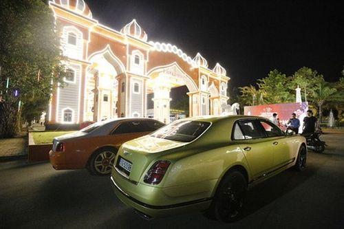 """Đại gia Dũng """"Lò vôi"""" mạnh tay chi 40 tỷ mua siêu xe tặng sinh nhật vợ - Ảnh 1"""