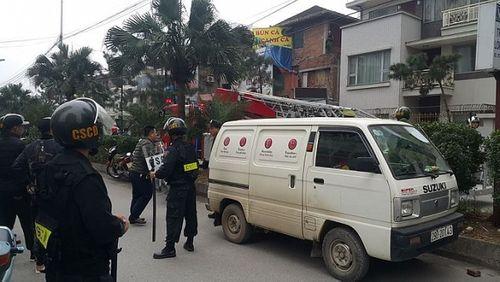 Hà Nội: Giải cứu 2 cô gái bị thanh niên nghi ngáo đá khống chế trong biệt thự - Ảnh 1