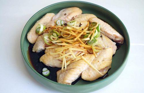 Món ngon mỗi ngày: Cánh gà nướng bắp cải đơn giản mà cực ngon - Ảnh 1