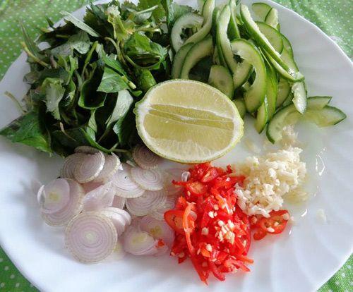 Món ngon mỗi ngày: Chống ngán ngày Tết với món gỏi tai heo dưa leo - Ảnh 2