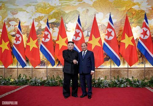 Thủ tướng Chính phủ Nguyễn Xuân Phúc tiếp Chủ tịch Kim Jong Un - Ảnh 6