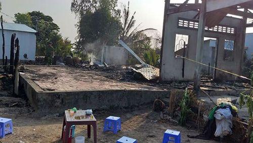 Hỏa hoạn trong đêm: 3 căn nhà cháy rụi, 1 người đàn ông thiệt mạng - Ảnh 1