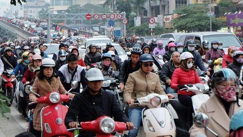 Hà Nội: Ý kiến trái chiều quanh việc cấm xe máy vào nội đô - Ảnh 1
