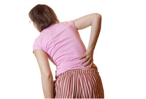 Tôi đã xách đồ thoải mái nhờ cải thiện đau lưng do thoát vị địa đệm L2-L3 - Ảnh 1
