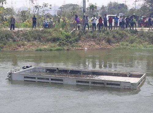 Xác minh danh tính 5 lao động Việt Nam tử vong trong vụ tai nạn ở Thái Lan - Ảnh 1