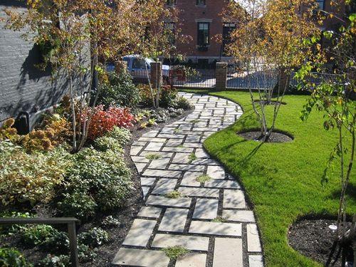 Ý tưởng thiết kế gạch lát sân vườn, vỉa hè rẻ, đẹp chẳng thể ngờ - Ảnh 2
