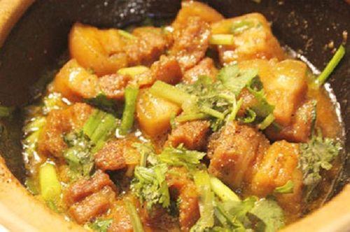 Món ngon mỗi ngày: Thịt ba chỉ kho ngũ vị hương thơm nức mũi - Ảnh 3