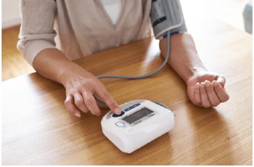 Nhận biết sớm triệu chứng huyết áp cao, ngăn chặn nguy cơ tử vong vì đột quỵ - Ảnh 2