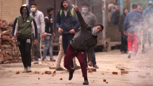 Căng thẳng Ấn Độ - Pakistan: Giao tranh dữ dội vẫn tiếp diễn tại Kashmir - Ảnh 1