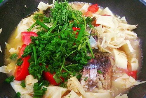Món ngon mỗi ngày: Cá chép om măng ngon miễn chê - Ảnh 3