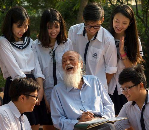 Tuyển tập những truyện ngắn hay nhất về tình thầy trò cho báo tường 20/11 - Ảnh 2