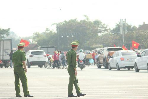 Hà Nội tung hàng trăm cảnh sát đảm bảo an ninh trận Việt Nam – Philippines - Ảnh 5