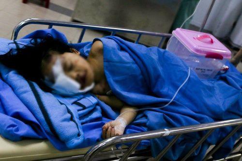 Vụ tai nạn 13 người chết ở Quảng Nam: Tình hình sức khỏe của bé 6 tuổi may mắn sống sót - Ảnh 2