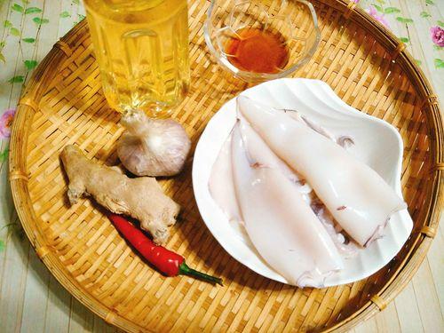 Món ngon mỗi ngày: Cách làm mực chiên nước mắm - Ảnh 1