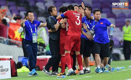 Quang Hải tiết lộ bí quyết thực hiện pha đá phạt kinh điển khiến thủ môn bay hết cỡ cũng không đỡ được - Ảnh 1