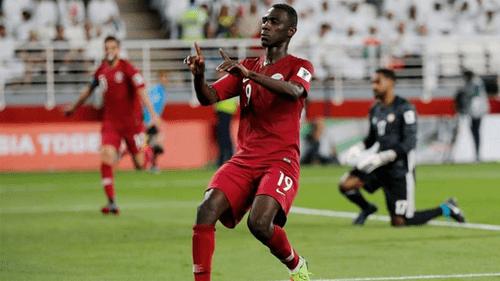Bị tố sử dụng 2 cầu thủ đá lậu, liệu Qatar có bị tước danh hiệu? - Ảnh 1