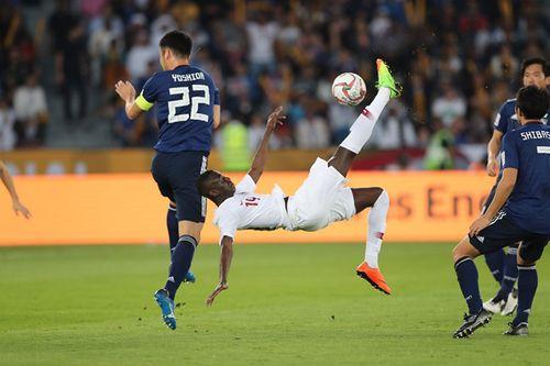 Tiền đạo Qatar trở thành chân sút ghi bàn nhiều nhất mọi thời đại tại Asian Cup - Ảnh 1