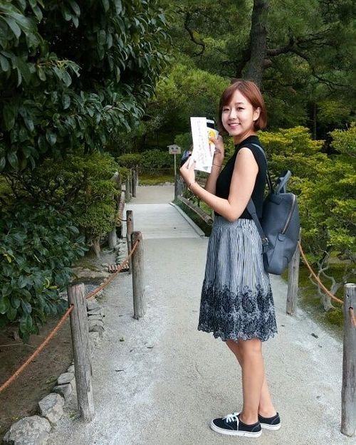 """Dân mạng chia sẻ rần rần hình ảnh nữ phóng viên Hàn Quốc có nụ cười """"đốn tim"""" - Ảnh 2"""