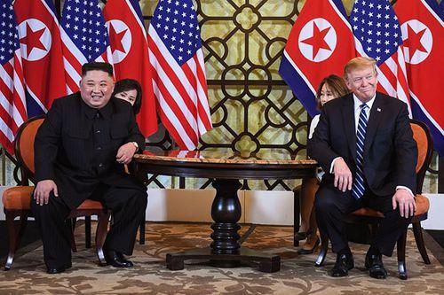 Hình ảnh ghi dấu ấn của Tổng thống Trump và Chủ tịch Kim Jong-un tại Hà Nội - Ảnh 3