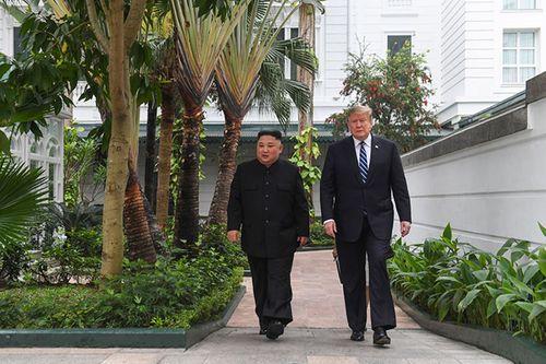 Hình ảnh ghi dấu ấn của Tổng thống Trump và Chủ tịch Kim Jong-un tại Hà Nội - Ảnh 4