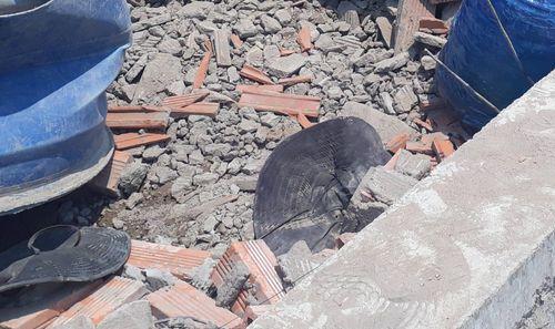 Sập công trình ở Vĩnh Long, vùi lấp ít nhất 15 người, 5 người chết tại chỗ - Ảnh 3