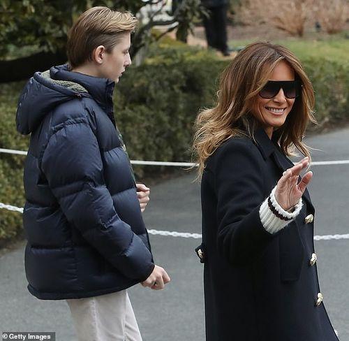 Quý tử 12 tuổi nhà Tổng thống Trump lại thu hút vì vẻ ngoài điển trai và cao lớn bất ngờ - Ảnh 2