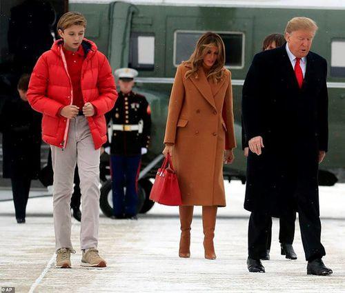 Quý tử 12 tuổi nhà Tổng thống Trump lại thu hút vì vẻ ngoài điển trai và cao lớn bất ngờ - Ảnh 5