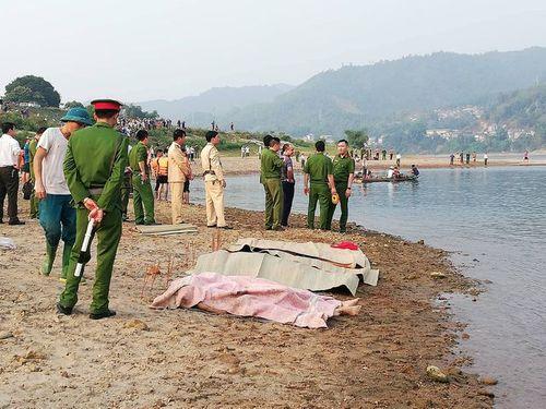 Hình ảnh tang thương tại hiện trường vụ 8 học sinh Hòa Bình chết đuối trên sông Đà - Ảnh 4