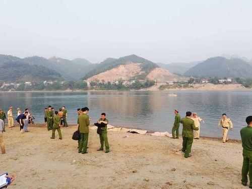 Hình ảnh tang thương tại hiện trường vụ 8 học sinh Hòa Bình chết đuối trên sông Đà - Ảnh 6