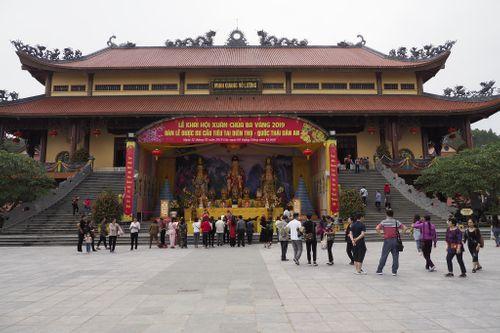 BS bệnh viện Bạch Mai xuất hiện trong buổi thuyết giảng chùa Ba Vàng làm lệch lạc tâm lý người bệnh - Ảnh 2
