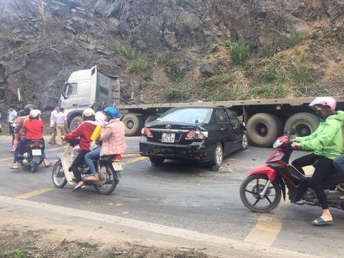 Tin tai nạn giao thông mới nhất ngày 4/3/2019: Nam thanh niên đi xe phân khối lớn văng vào lề đường tử vong - Ảnh 3