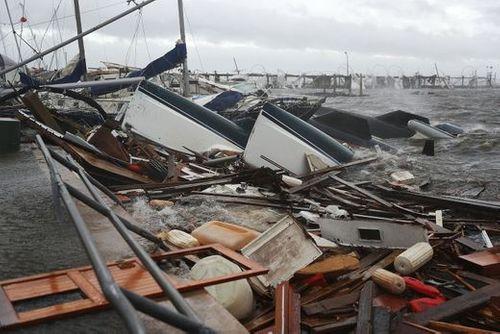 """Chùm ảnh: Cơn bão """"quái vật"""" lớn nhất thế kỷ tàn phá miền nam nước Mỹ - Ảnh 11"""