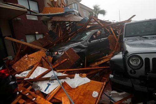 """Chùm ảnh: Cơn bão """"quái vật"""" lớn nhất thế kỷ tàn phá miền nam nước Mỹ - Ảnh 14"""