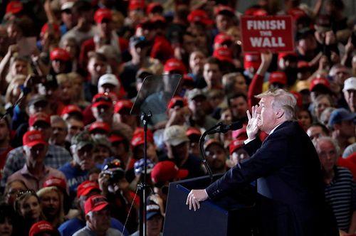 Bầu cử giữa kỳ 2018: Khoảnh khắc xoay trục cán cân quyền lực nước Mỹ - Ảnh 2