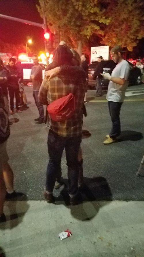 Hiện trường vụ xả súng kinh hoàng quán bar ở Mỹ, ít nhất 12 người thiệt mạng - Ảnh 7