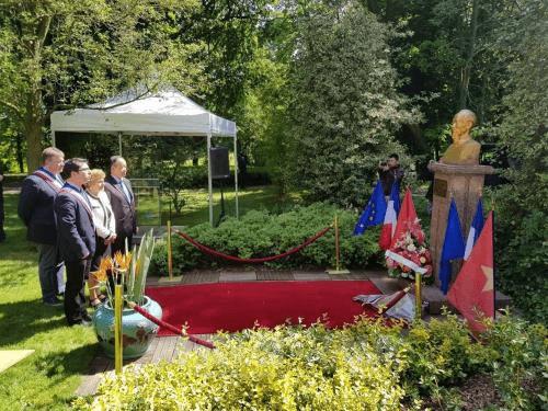 Kỷ niệm 128 năm ngày sinh Chủ tịch Hồ Chí Minh tại Pháp - Ảnh 1