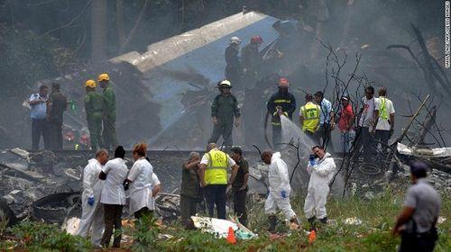 Ngổn ngang mảnh vụn vụ rơi máy bay ở Cuba khiến hơn 100 người thiệt mạng - Ảnh 1