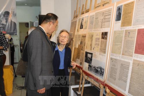 Kỷ niệm 128 năm ngày sinh Chủ tịch Hồ Chí Minh tại Pháp - Ảnh 2