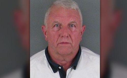 Mỹ: Cha cố ý đâm xe vào một nhà hàng, con gái và con dâu thiệt mạng - Ảnh 2
