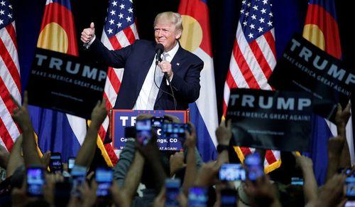 Ông Trump yêu cầu điều tra vụ FBI cài nội gián vào chiến dịch tranh cử - Ảnh 1