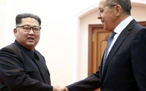 Nhà lãnh đạo Kim Jong-un bất ngờ gửi thư cho Tổng thống Donald Trump - Ảnh 1