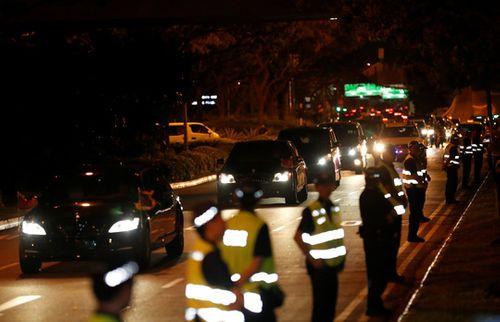 Kết thúc thượng đỉnh Mỹ-Triều, ông Kim Jong-un rời Singapore ngay trong đêm - Ảnh 2