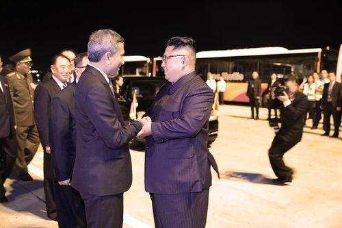 Kết thúc thượng đỉnh Mỹ-Triều, ông Kim Jong-un rời Singapore ngay trong đêm - Ảnh 8