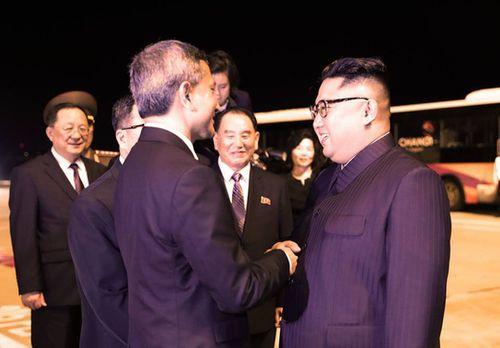 Kết thúc thượng đỉnh Mỹ-Triều, ông Kim Jong-un rời Singapore ngay trong đêm - Ảnh 9