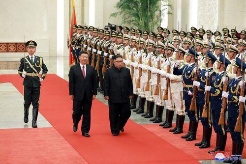 Triều Tiên công bố hình ảnh chuyến thăm Trung Quốc lần 3 của ông Kim Jong-un - Ảnh 4