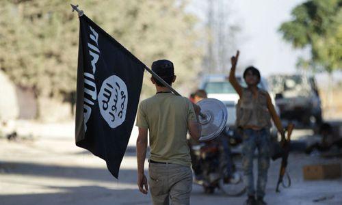 """Mỹ phóng thích nghi phạm IS, """"tặng"""" thêm hơn 4000 USD và điện thoại di động - Ảnh 1"""