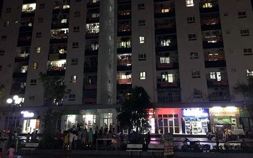 Nghi án mẹ thắt cổ con và cháu tại Hà Nội: CSGT chặn xe chở thi thể 2 cháu bé - Ảnh 2